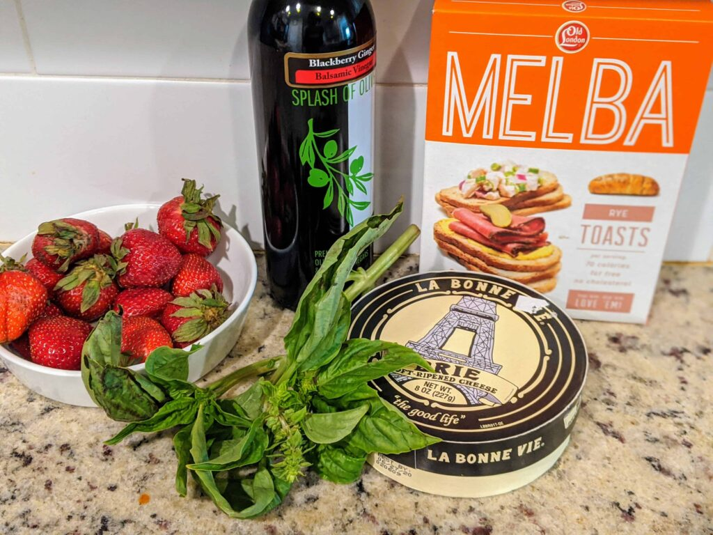 strawberry balsamic baked brie ingredients